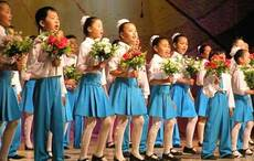 Mongolian children singing